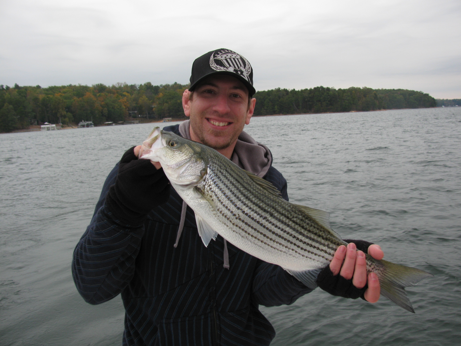 lake lanier bass fishing
